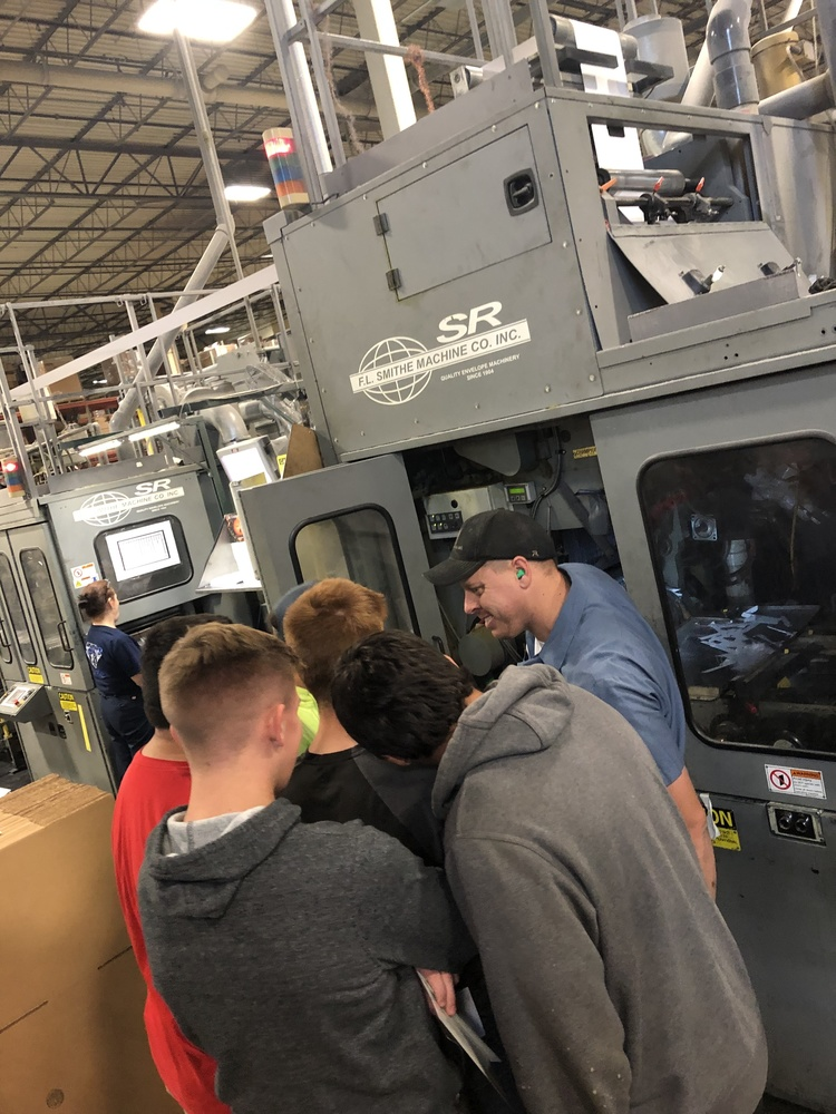 Sophomore Students Tour Manufacturers
